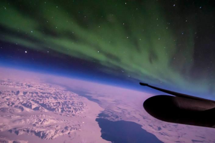 U-2-Northern-Lights-aurora-dying-over-Gr