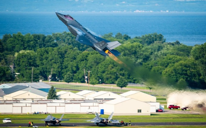 Oshkosh Air Show 2020.F 35a Demo Team Moves From Luke Afb Arizona To Hill Afb