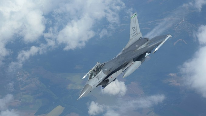 Vipers joint ex live 1 - U.S. Air Force and Navy Perform Joint Exercise over the Black Sea (With Live Weapons)