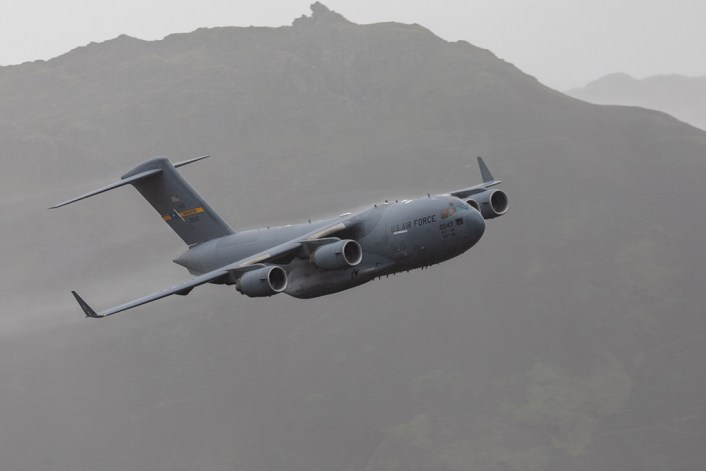 C 17 LFA17 2 - Check Out These Amazing Photos Of A U.S. C-17 Globemaster III Flying Low Level Through The Lake District LFA In UK