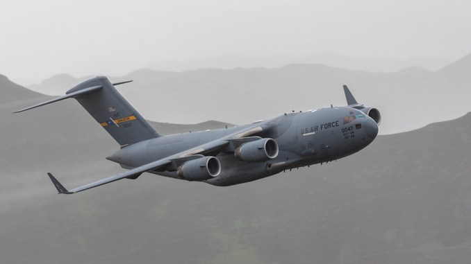 C 17 LFA17 - Check Out These Amazing Photos Of A U.S. C-17 Globemaster III Flying Low Level Through The Lake District LFA In UK
