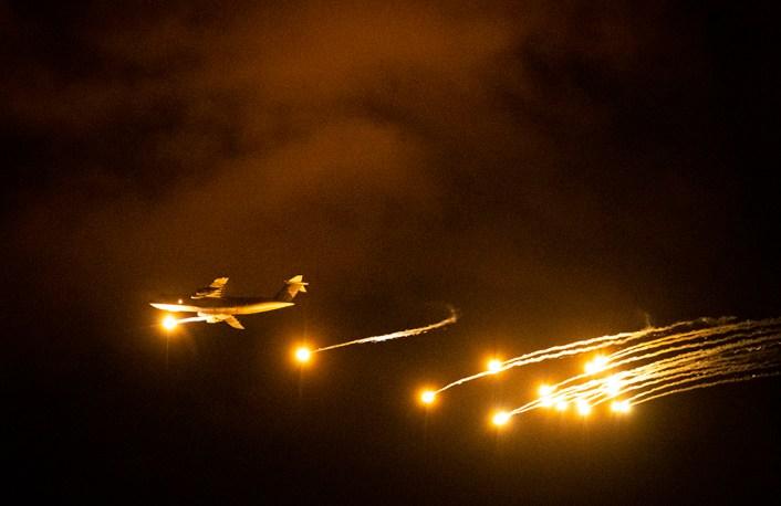 C-5 Galaxy flares