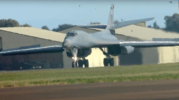 B-1B landing RAF Fairford