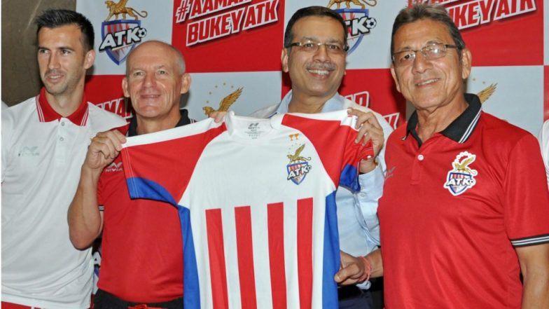 ATK Coach Steve Coppell and Sanjoy Sen with Team Owner Sanjiv Goenka. Photo Courtesy: IANS