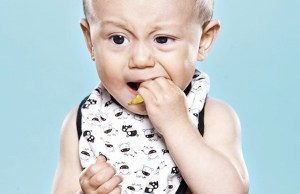 babies trying lemon for the first time