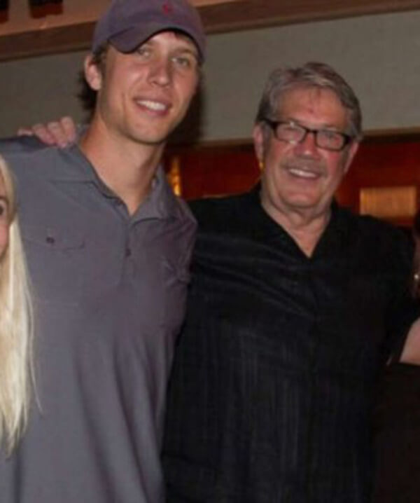 26 Starting NFL Quarterbacks And Their Fathers