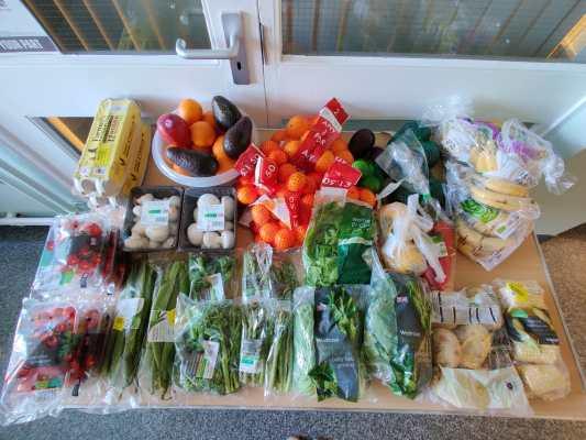 Surplus Fruit and Veg at Manningford (1)