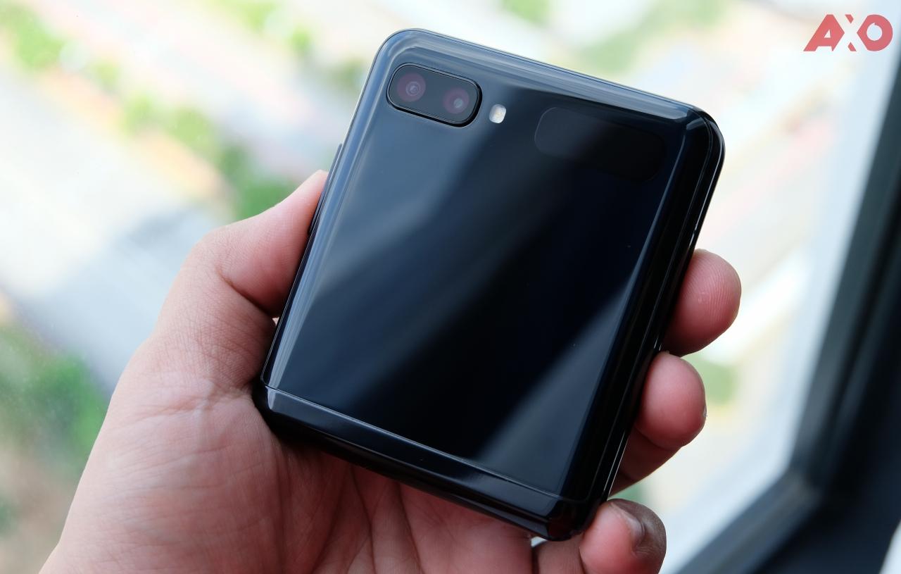 Samsung Galaxy Z Flip Review: True Social Distancing 69