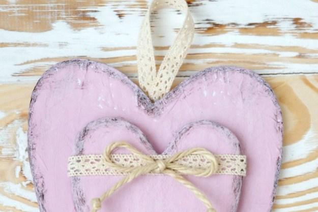 cardboard-heart-hang