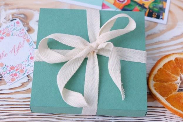 Коробочка для подарка своими руками за 10 минут