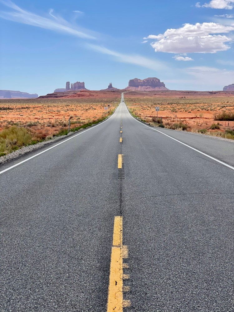 A view of Monument Valley from Forrest Gump Hill