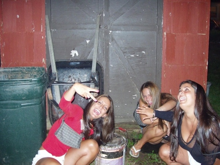 Drunk College Girls in the Wild 12