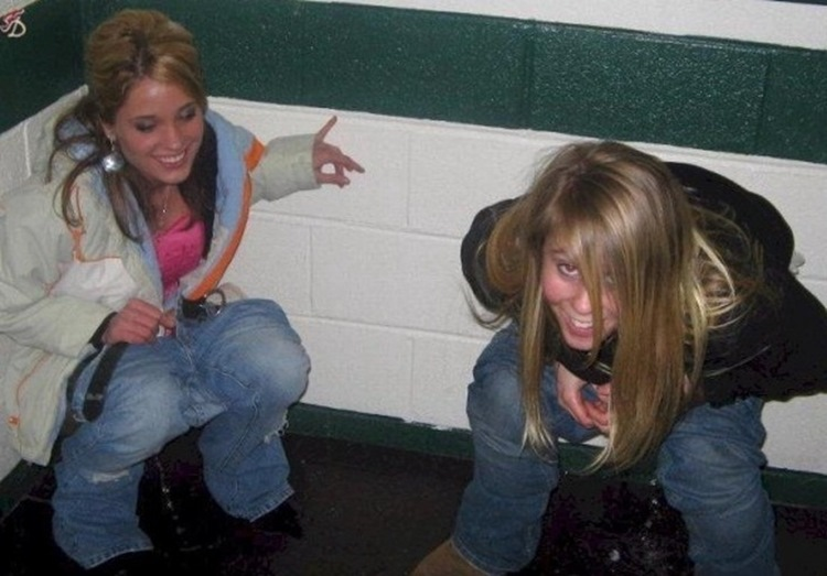 Drunk College Girls in the Wild 25
