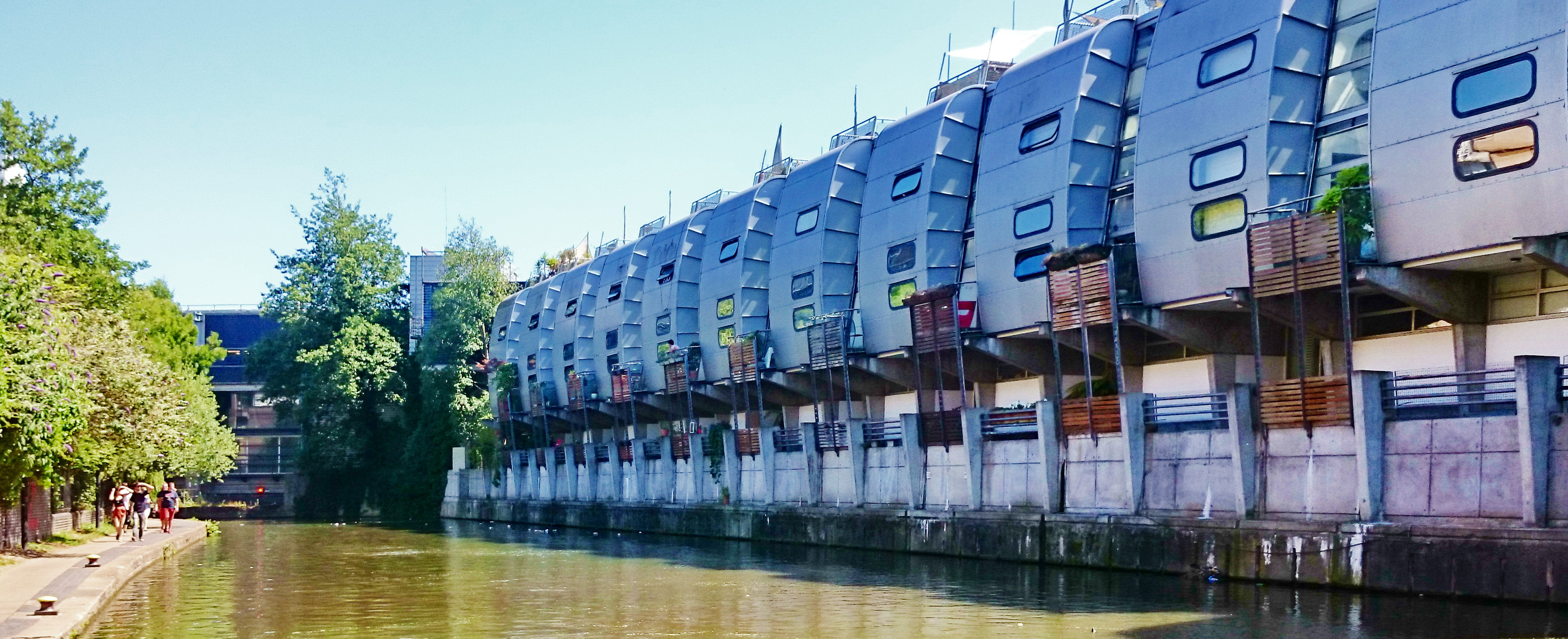 London Walk Tip: Regent Canal from Central St. Martins to Camden