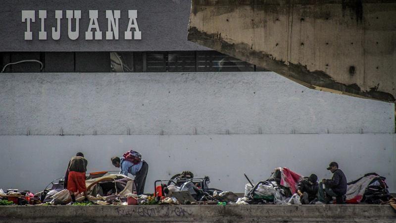 Ordena gobernador Bonilla re-ubicar a personas en situación de calle que viven en la canalización del Río Tijuana