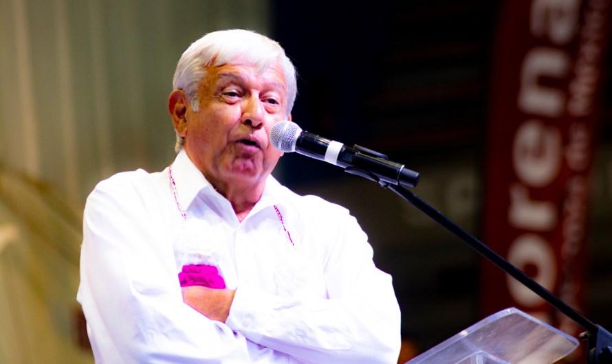 """México: batalla entre fifís y chairos, """"¿estás con Lopez Obrador o contra él?"""""""