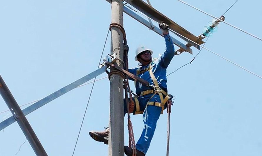 """Recomienda Gobernador uso racional de la energía eléctrica por """"superdéficit"""" en la materia, sobre todo para Mexicali"""