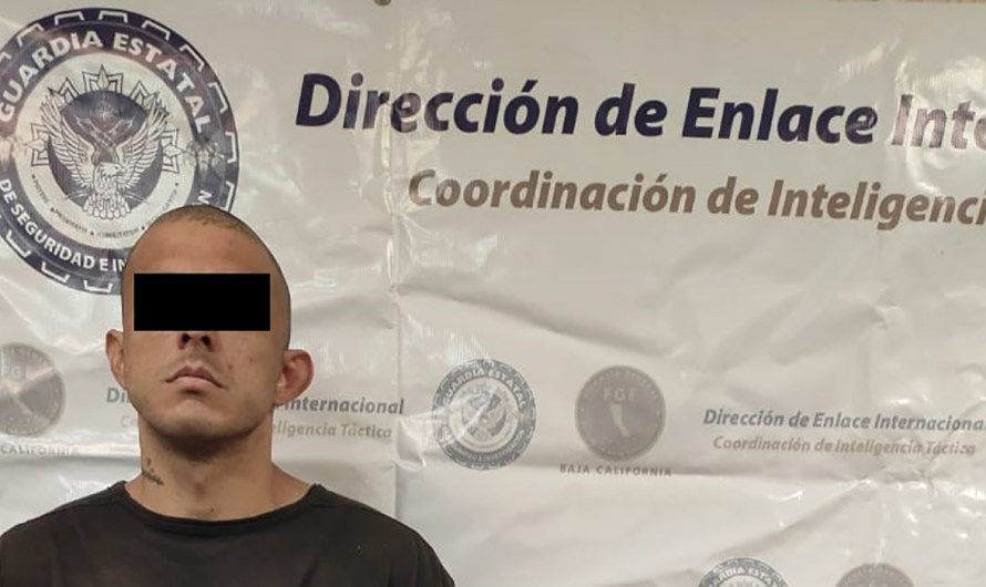 Illegal aliens smuggler with an outstanding warrant in the USA, detained by the State Guard in Mexicali
