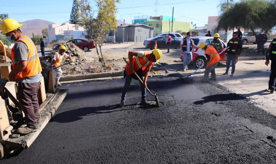 Supervisa pavimentación en Altiplano y Villa Fontana en Tijuana, Arturo González Cruz