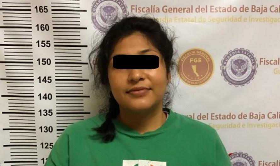 Detienen agentes de la Fiscalía General del Estado a 2 mujeres, presuntas ladronas