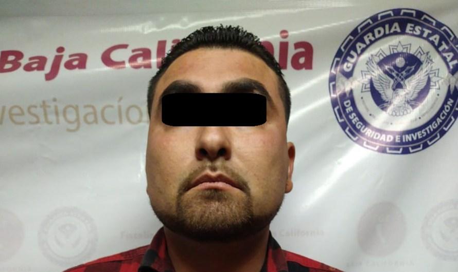 Falso policía detenido por la Fiscalía General del Estado en Mexicali