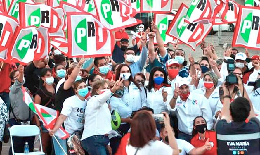 Refrenda apoyo el PRI para Lupita Jones en las instalaciones del partido en Mexicali