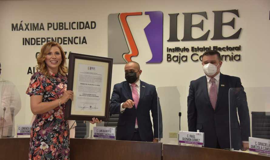 Recibe constancia de Gobernadora Marina del Pilar, ganó con votación record en la Historia de Baja California
