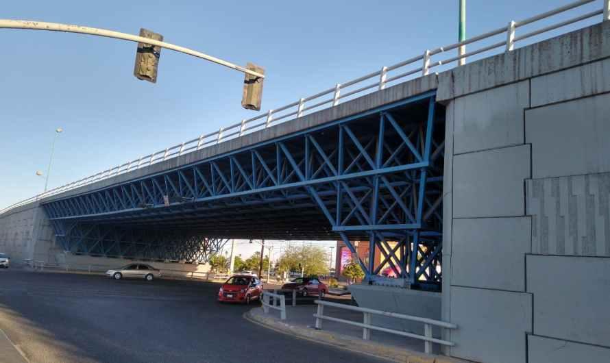 Puente del autoengaño y otro traje nuevo del emperador, pandeando la administración municipal