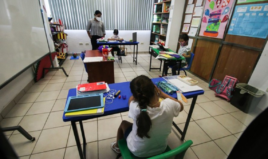 «Regresaron a clases presenciales en Baja California 14 mil 229 alumnos de todos los niveles»: Arturo Solís Benavidez