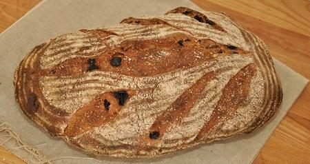 Raisin Walnut Levain with Spelt Bread Recipe