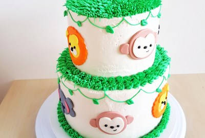 Safari Animals Cake by The Baking Experiment