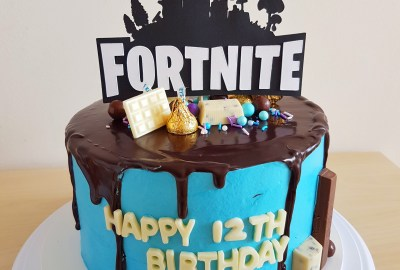 Fortnite Cake by The Baking Experiment