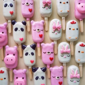 Mini Animal Cake Pops by The Baking Experiment