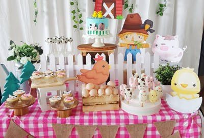 Barnyard Desesrt Table by The Baking Experiment