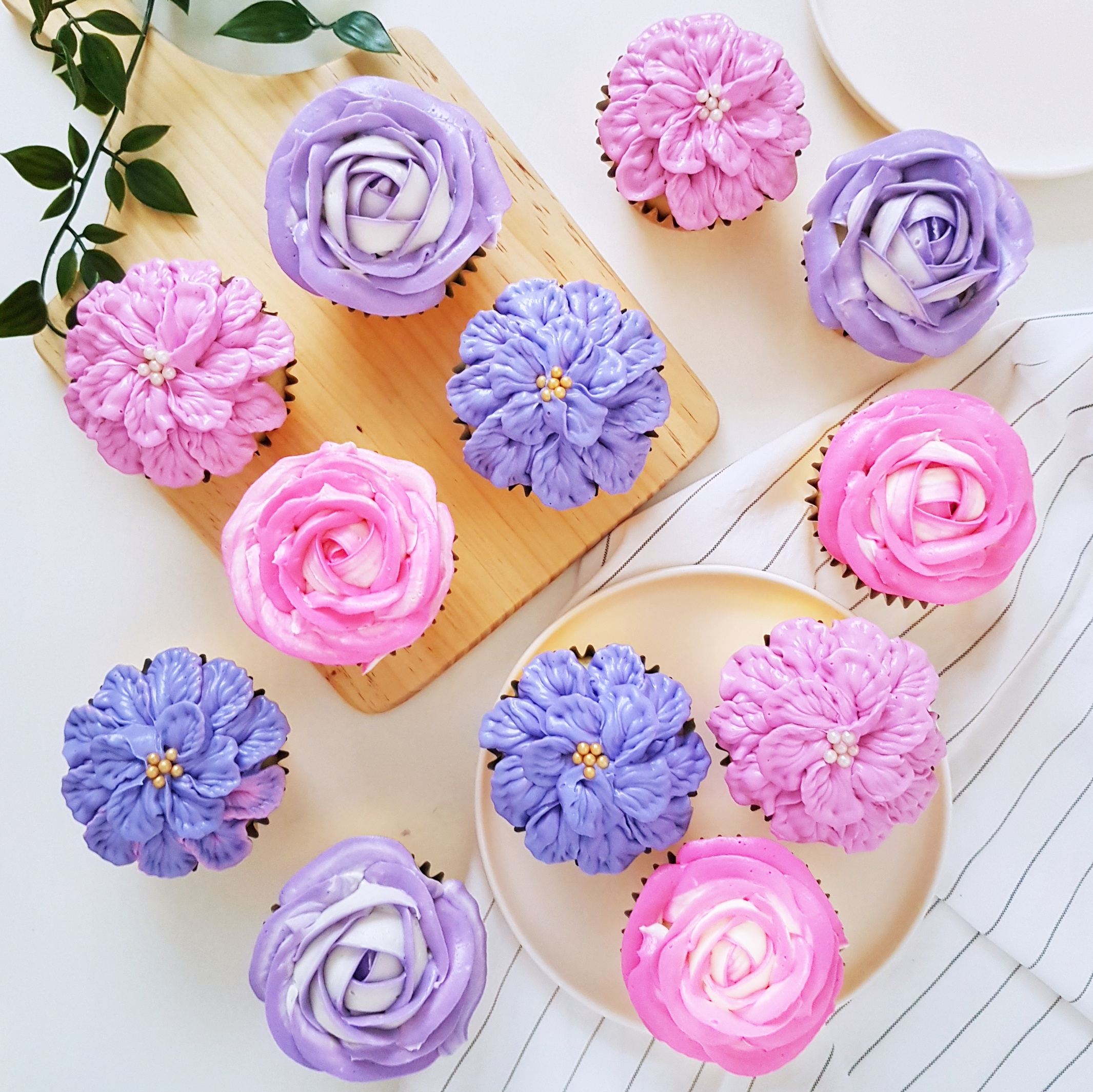 Buttercream Floral Cupcakes by The Baking Experiment