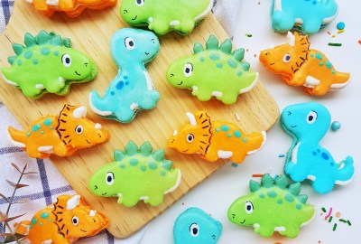 Dinosaur Macarons by The Baking Experiment