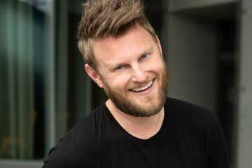 Queer Eye star Bobby Berk has hit out at the government in Indonesia for investigating villas in Bali that market themselves to the gay community.