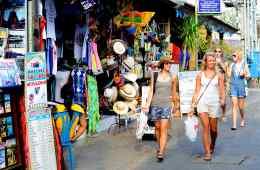 international visitors drop 27% in bali