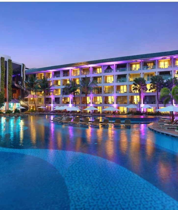 Bali hotel swimming pool