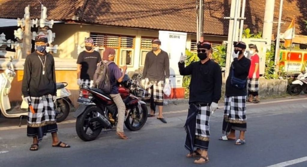 Bali local officials at checkpoint