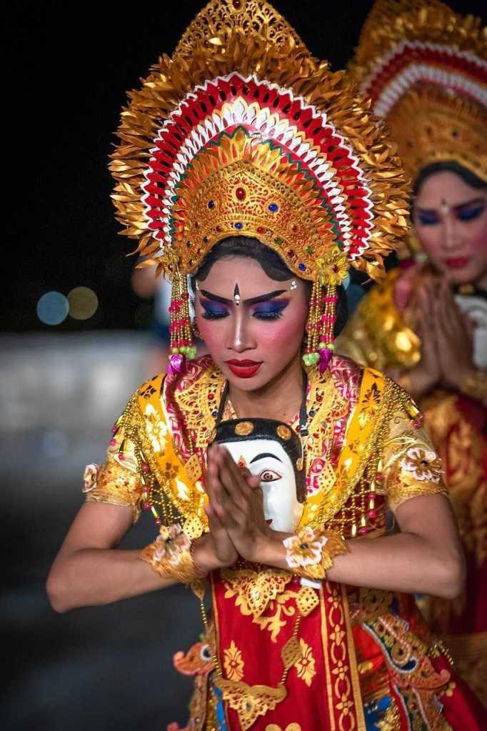 Bali-Traditional-costume