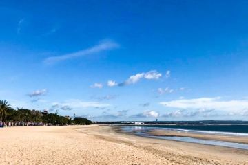 Bali beaches reclosed by governor