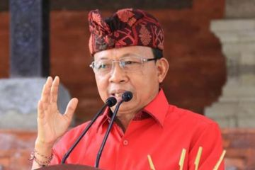 Bali Governor Claims Arak Steam Therapy Can Speed Up Covid-19 Recovery