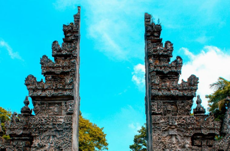 Thousands of Visitors Must Leave Bali As Emergency Visas Expire (2)