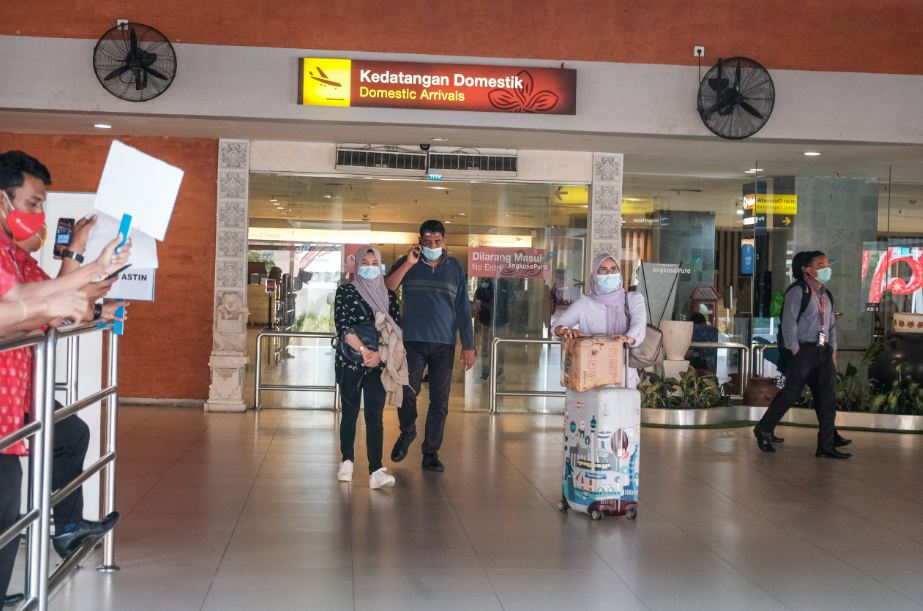 domestic arrivals in bali airport