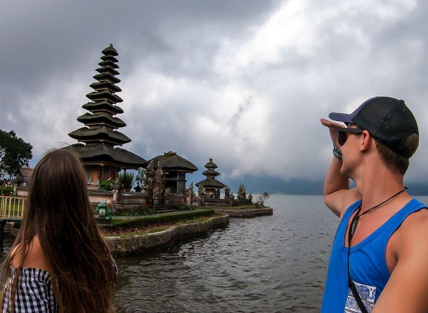 tourists in Buleleng