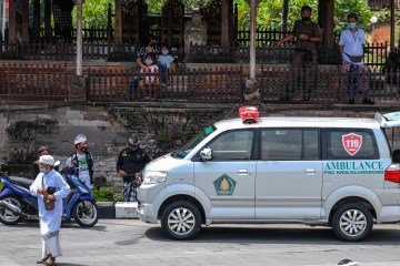 Ambulance Carrying Three COVID-19 Patients Crashes In Bali