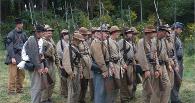 Bayonet manufacturers giddy as calls for new US Civil War grow louder