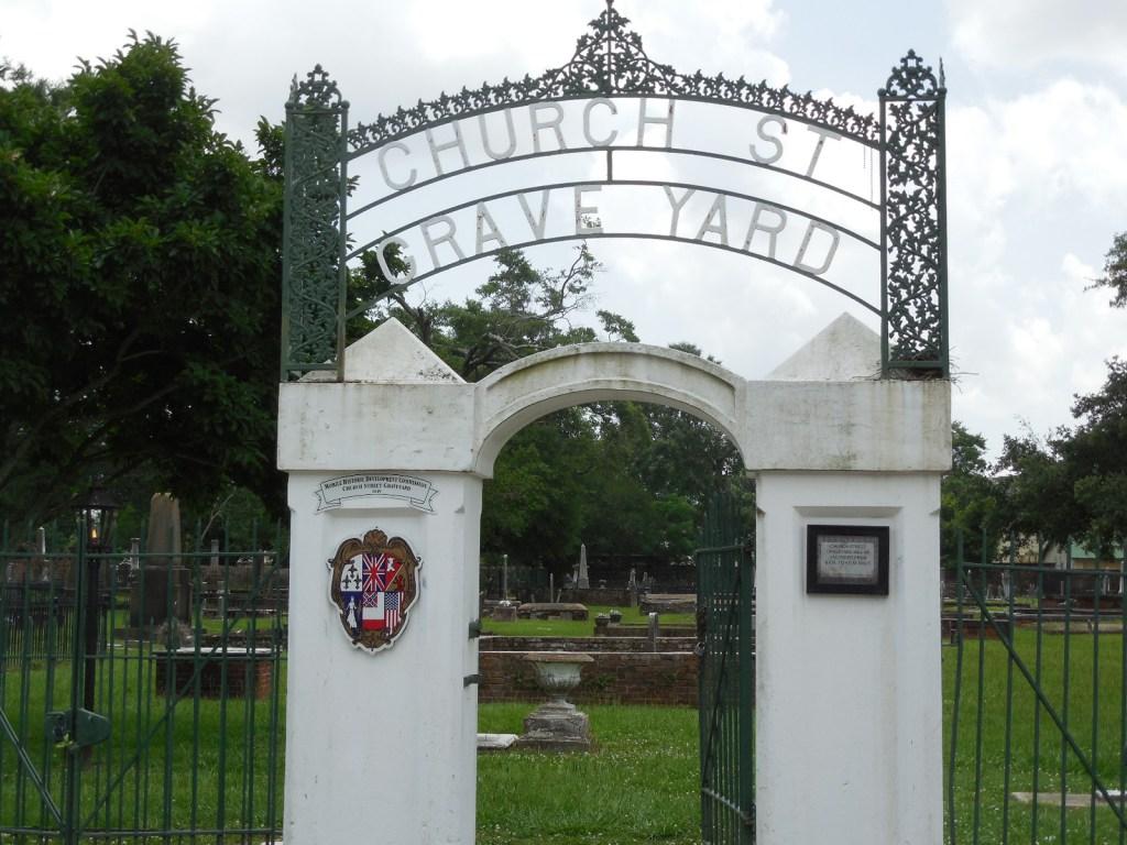 Church St Graveyard Entrance