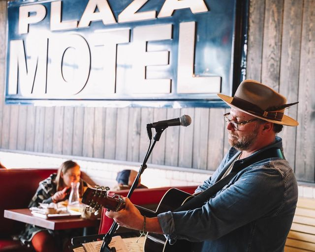 The Plaza Bar &Amp; Lounge